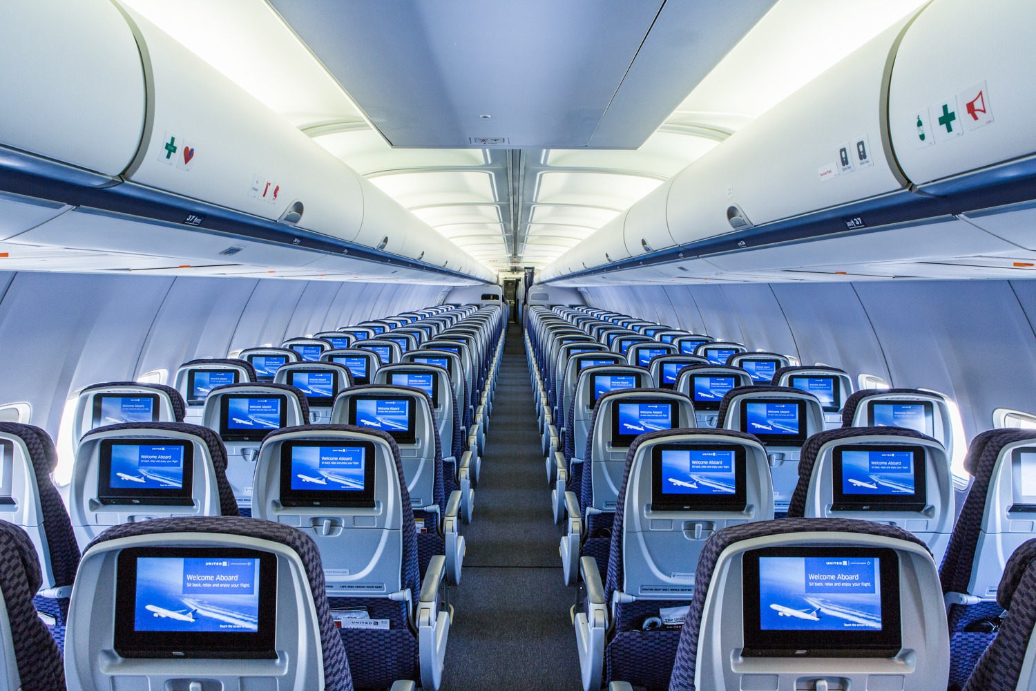 United Airline Planes Inside United Airlines Comple...