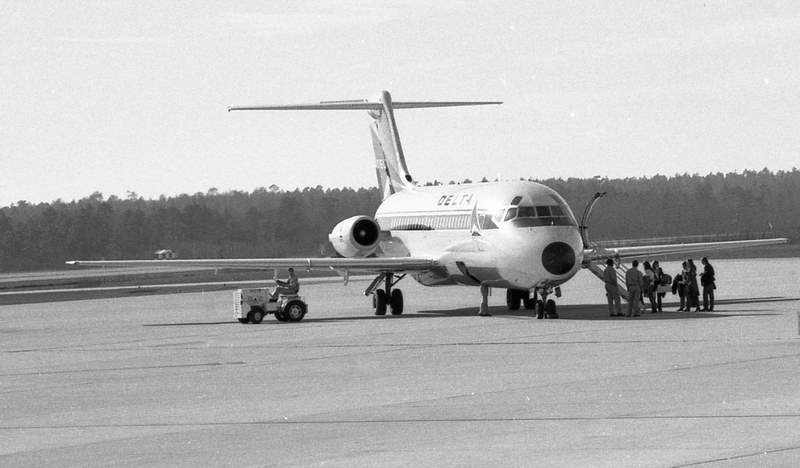 A Delta DC-9 boards its passengers at Columbia, South Carolina in the early 1970s.