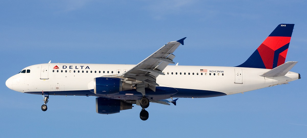 Conor Clancy of Planespotters caught this Delta Air Lines Airbus A320 landing at Philadelphia in 2011.