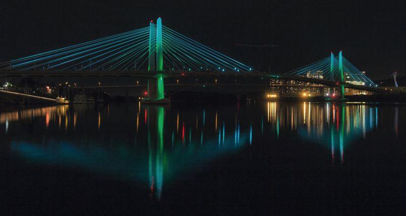 Tilikum-Crossing-Bridge-Reflective