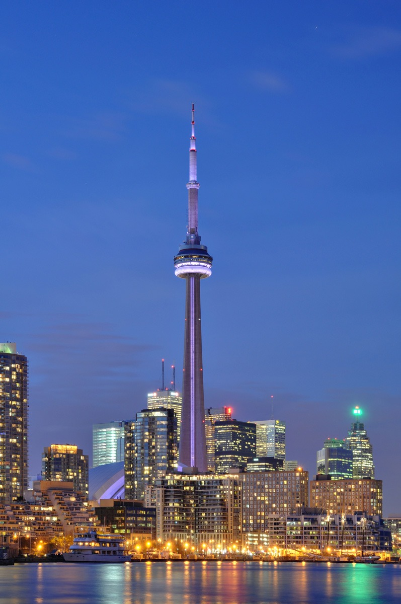 Toronto_-_ON_-_CN_Tower_web