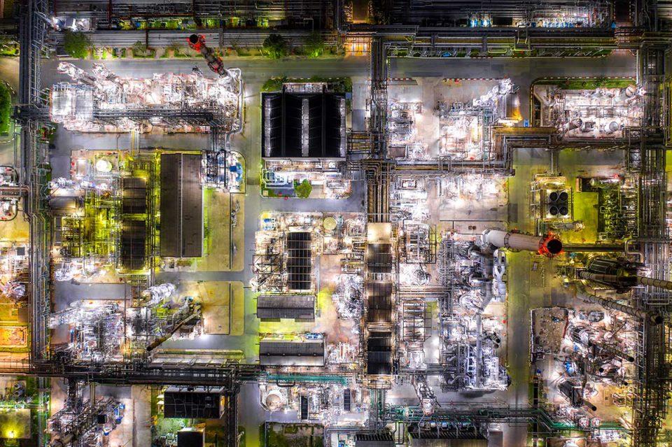 Night shot of oil refinery